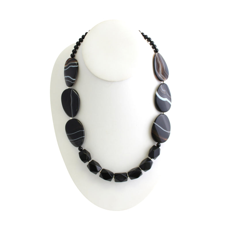 Midnight Rendevouz Agate Necklace