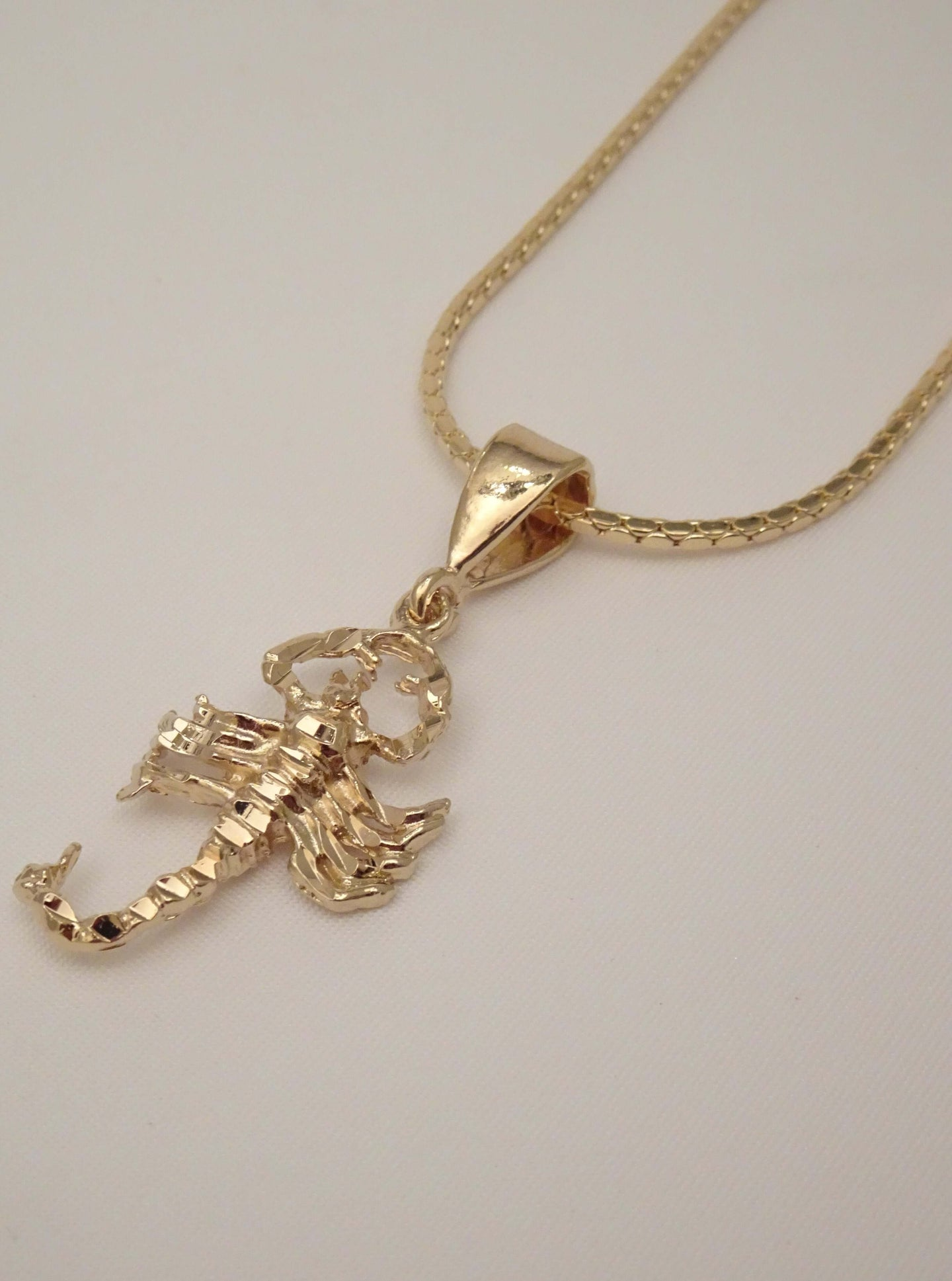 scorpion necklace, gold scorpion necklace, mens scorpion necklace, scorpion jewelry, mens hip hop jewelry, coop necklaces for guys, guy necklaces, mens necklaces, mens fashion necklace, cool necklaces, biker jewelry, american jewelry