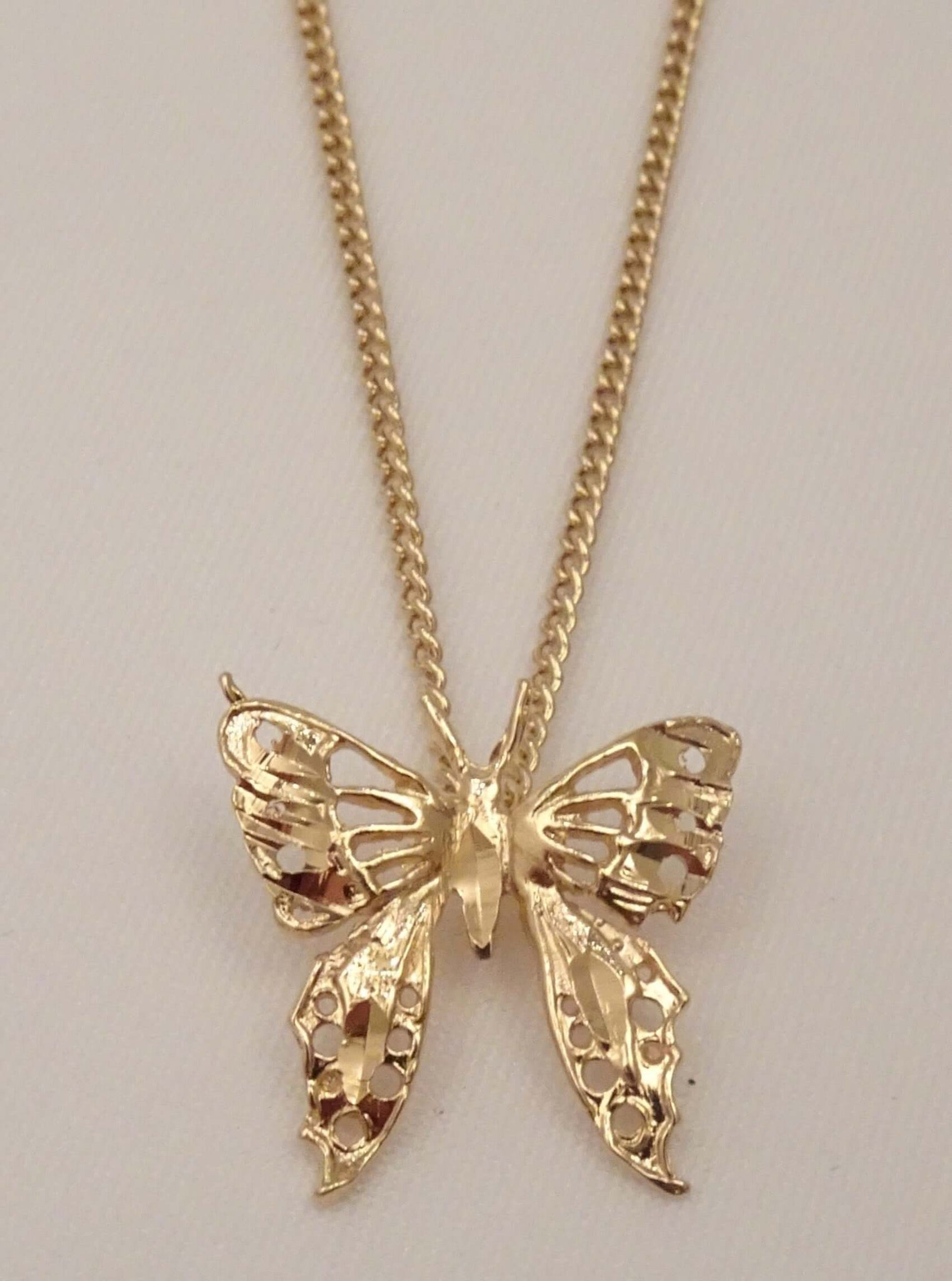 The Monarch Butterfly Necklace Sparrow