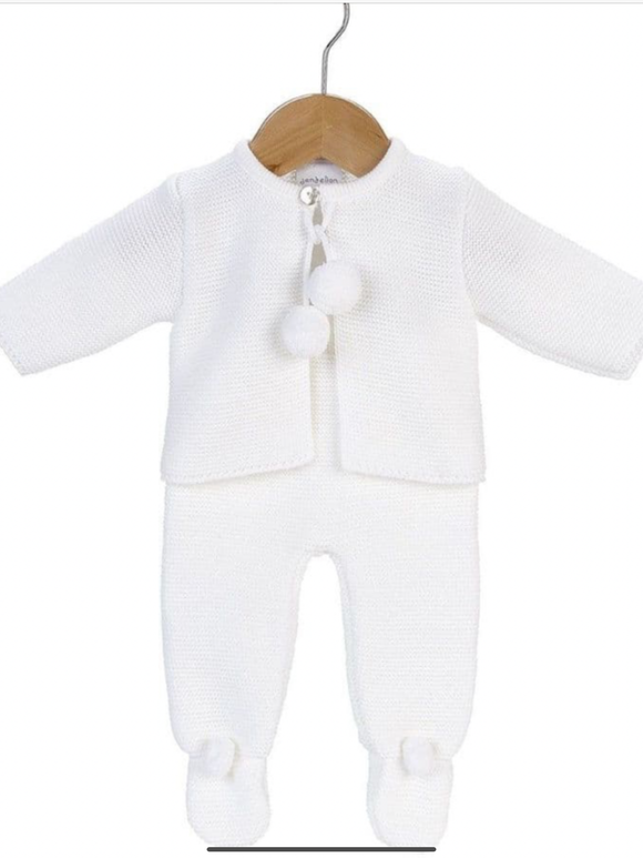 Unisex knitted suit .   T4