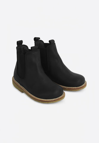 Narrow Chelsea Boot Black