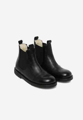 Narrow Chelsea Boot Black Lined