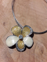 Load image into Gallery viewer, Yellow Flower Necklace