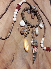 Load image into Gallery viewer, Bohemian Shell necklace