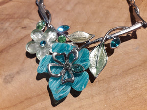 Little Diamond Flower Necklace Blue