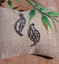 Load image into Gallery viewer, Winter Leaf Earrings