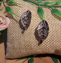 Load image into Gallery viewer, Leaf Earrings Brown