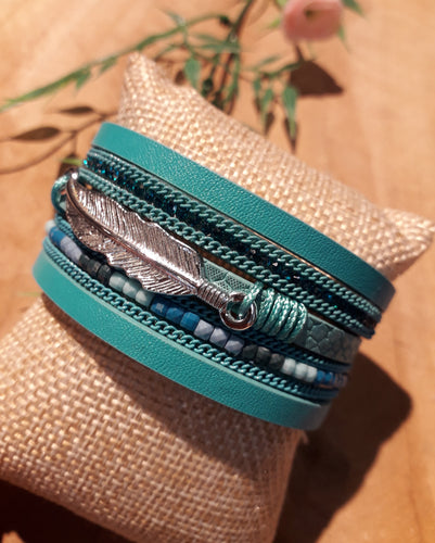 Feather Bead Bracelet Blue