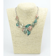 Load image into Gallery viewer, Short Leaf Garden Necklace