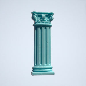 The Corinthian column sticker from Styklet in turquoise blue.