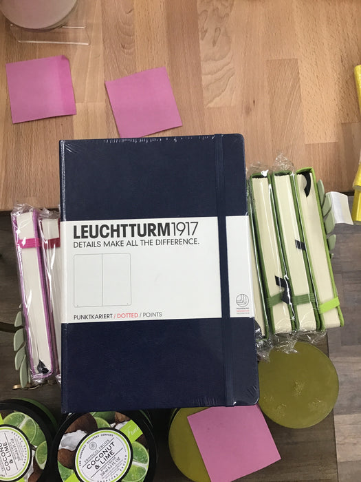 Leuchtturm dark blue dotted medium