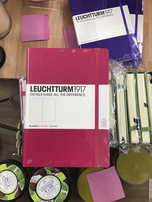 Leuchtturm pink plain medium