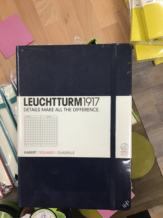 Leuchtturm dark blue squared medium
