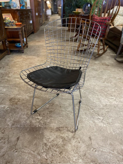 21W Chrome Wire Chair w/ Faux Blk Leather Cushion