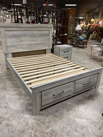 65W 85D 52H Whitewash Belaby QUEEN Platform 2-Drawer Storage Bed ASHLEY FURNITURE (retail $654)