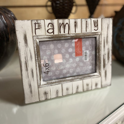 "9W 7H Farmhouse White Photo Frame w ""Family"""