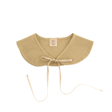 Peter pan collar Bib Honey