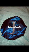 Load image into Gallery viewer, Navy Blue/Silver Reversible Bonnet