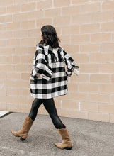 Load image into Gallery viewer, RDStyle_plaid_fringe_shirt_buffalo_check_fall_thdshoppe_streetstyle_thdshoppe