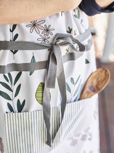 Aprons-Table Linen-Sheets on the Line