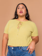 Load image into Gallery viewer, THE PEARL DROP TEE ~ Pear