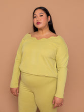 Load image into Gallery viewer, THE WAVY BABY PULLOVER -  Pear