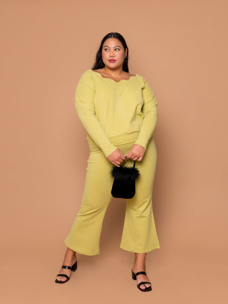 THE WAVY BABY PULLOVER -  Pear