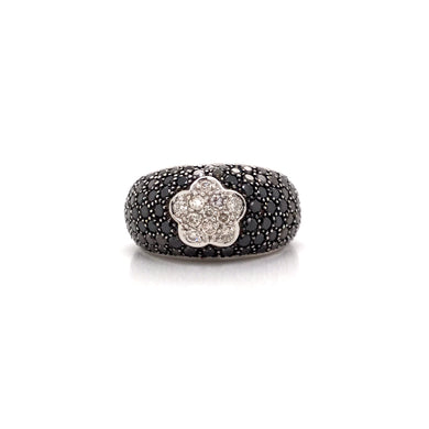 18K White Gold Pave Set Black & White Diamond Flower Ring
