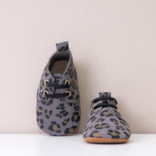 Load image into Gallery viewer, River Grey Leopard Print Unisex Oxfords