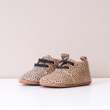 Load image into Gallery viewer, Hendrix Unisex Cream Spot Oxford Shoes
