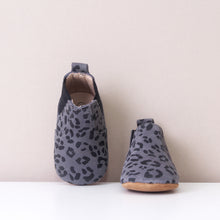 Load image into Gallery viewer, Suki Grey Leopard Print Chelsea Boots
