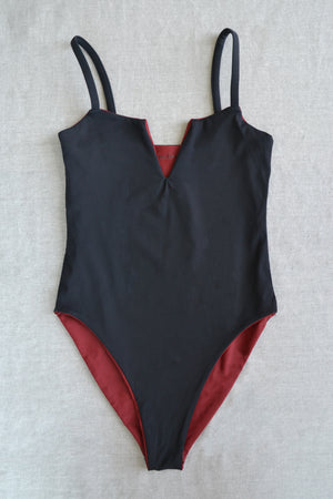 GIALI MAILLOT <br> Nero / Vino réversible
