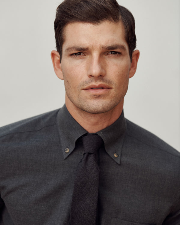 Male model wearing the Gordon Cotton-Cashmere Shirt and Woven Wool-Silk Tie.
