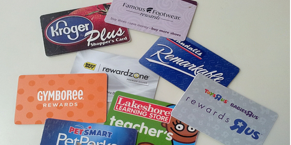 6 Reasons to Use Customer Loyalty Cards in Your Business