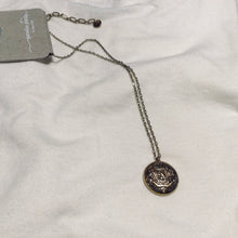 Load image into Gallery viewer, Short Coin Pendant Necklace