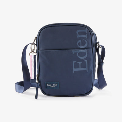 Resistant navy blue canvas bag