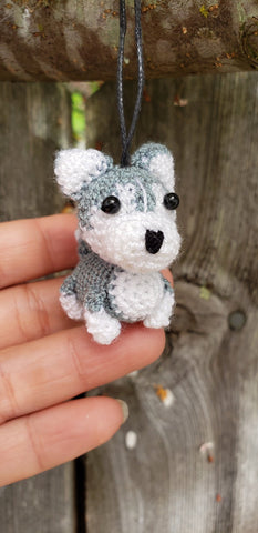 "Husky Dog-Finished product, hand crochet ,tiny 1.5"" height.come with strap to hang to ,Christmas Ornament , key chain."