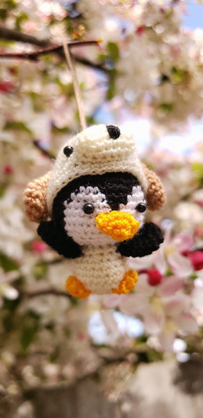 Penguin Dog hat ,Finished product ,hand crochet  , high quality  .Strap ornament ,Key chain .Car mirror hanger.