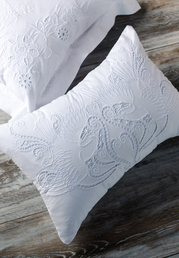 Burung Throw Pillow
