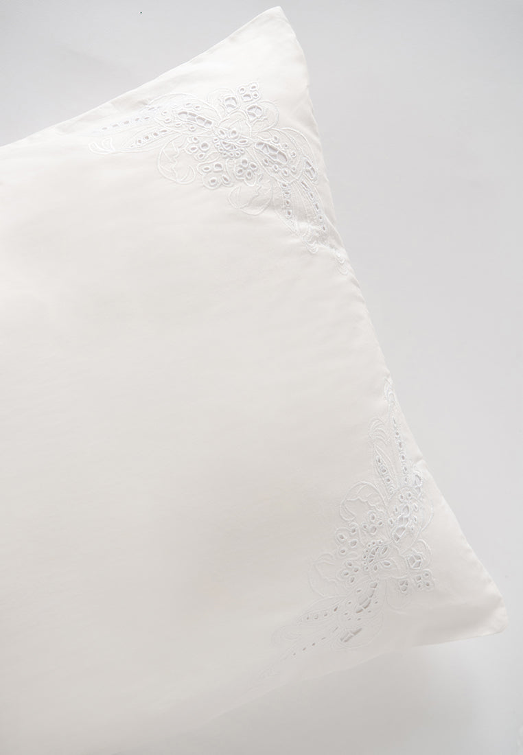 Lily Bed Pillow