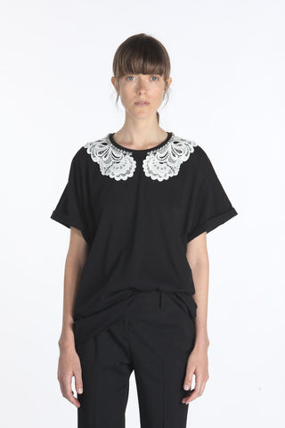 21EN2M0F0626314 Short sleeve top with stone and lace detail neck