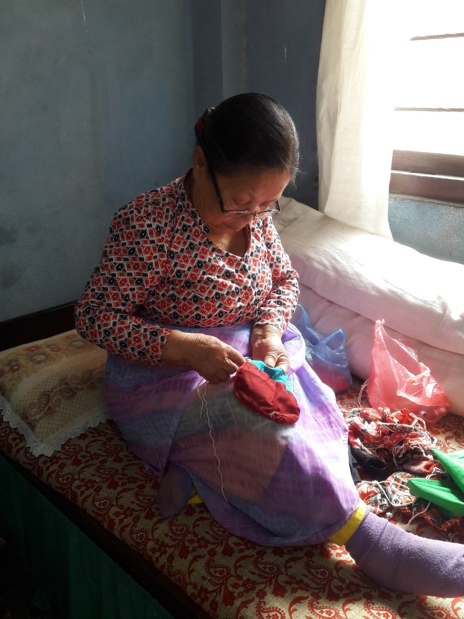 Handmade Bags from Nepal by the old woman