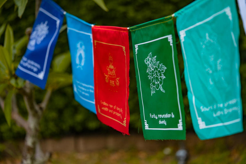 8 Auspicious Symbol Flag for Home and Office