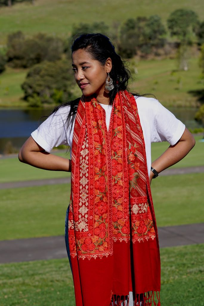 The touch of silk gives the pashmina an exceptional feel and a wonderful sheen. This beautiful bright red shawl is 28x80 cm in size perfect for anyone to wear at any occasion.