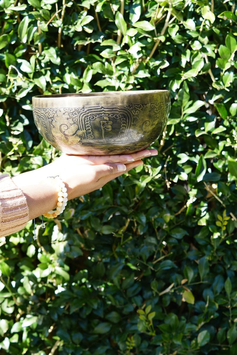 Antique Singing Bowl for sound healing and meditation