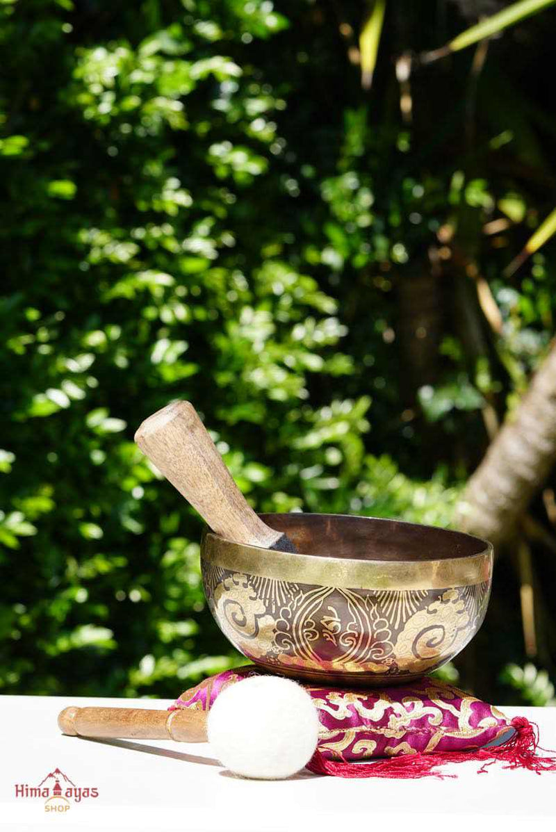 Unique design singing bowl for sound healing and. meditation.
