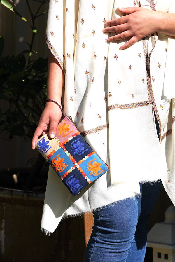 Beautiful handmade women's purse with Kashmiri embroidery, 1 Zip pocket and wristlet.