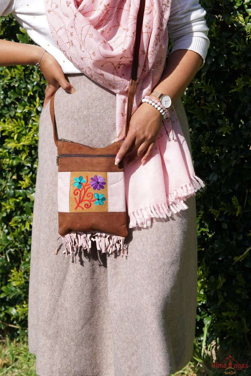 Unique style women side bag with hand embroidery, easy to carry and stylist design