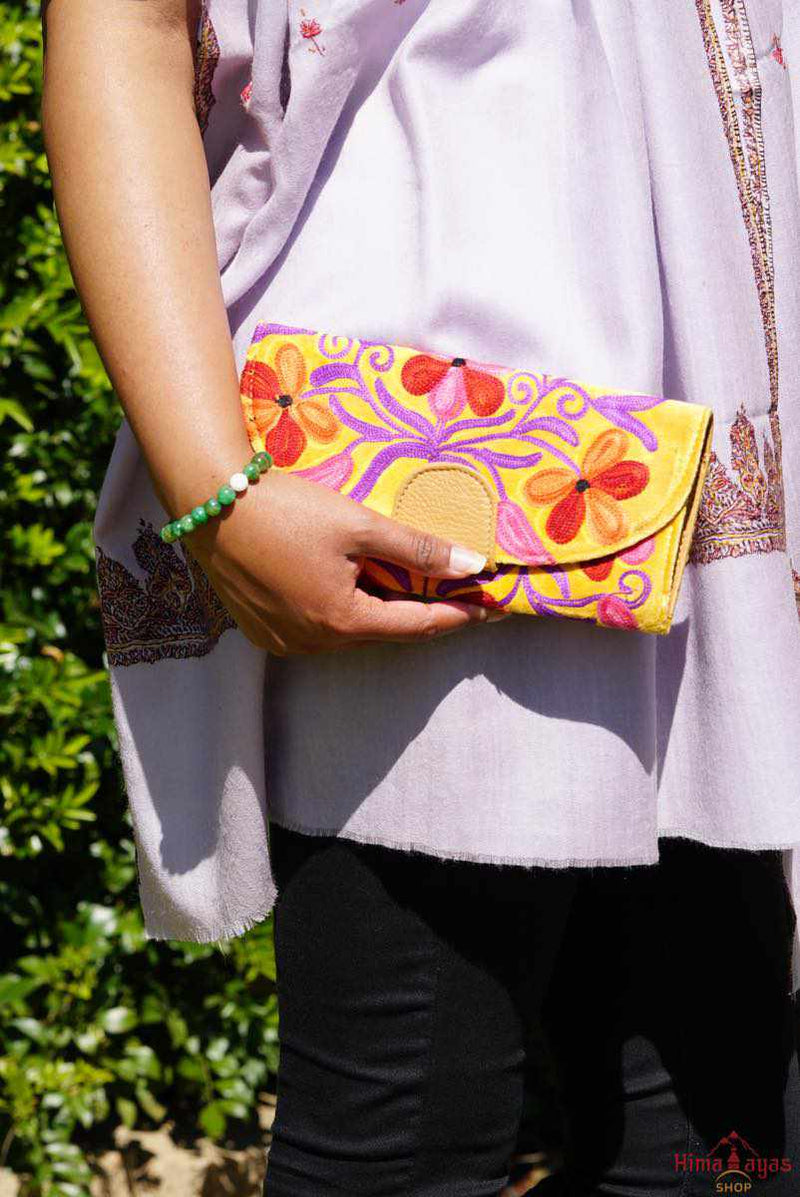 The perfect clutch, engraved and fabric wallet for women that suits your style!