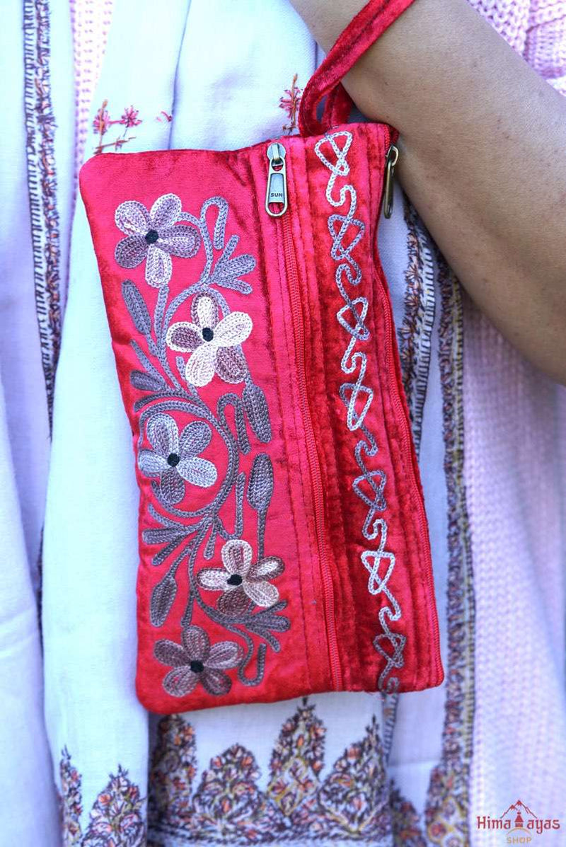 Unique style women purse with hand embroidery, easy to carry and stylist design